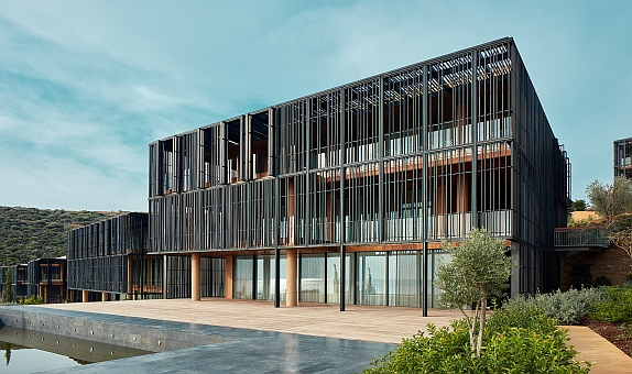 Guardian Glass Katkısı ile Doğayla Bütünleşen Bir Yapı: Barbaros Reserve by Kempinski